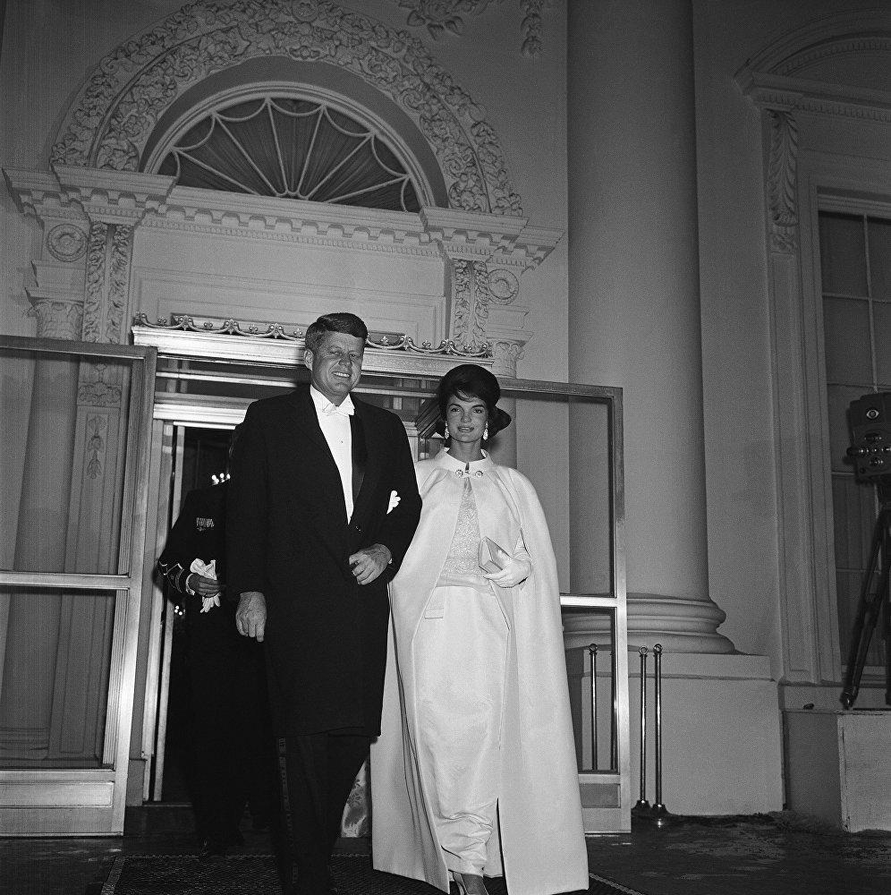Il presidente John Kennedy e la first lady Jacqueline Kennedy, il 20 gennaio, 1961.