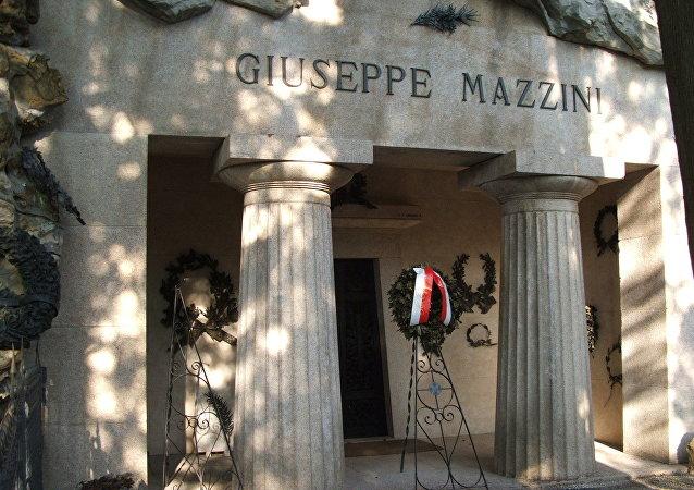 La tomba di Giuseppe Mazzini