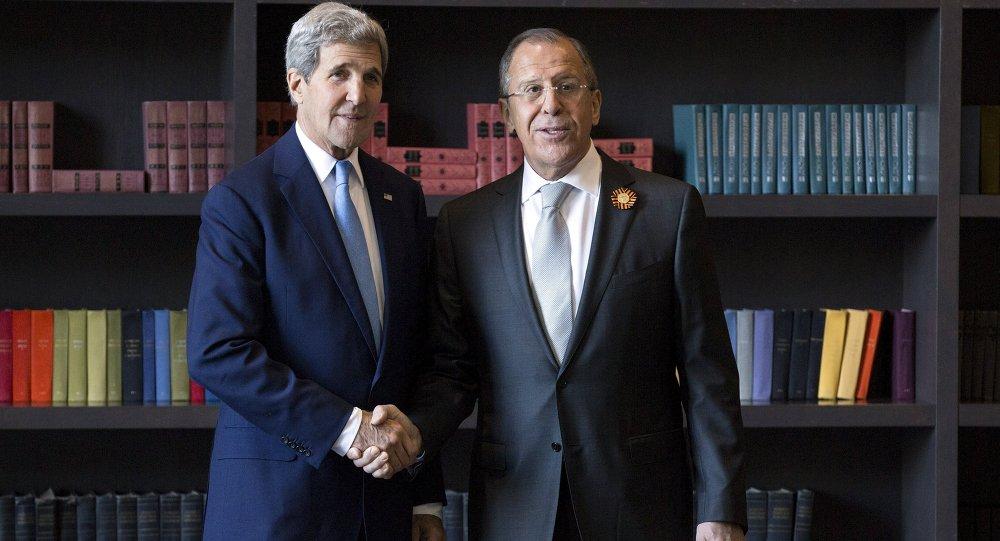 John Kerry e Sergey Lavrov a Sochi