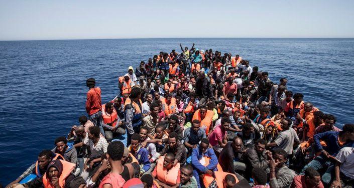 immigrati costa libica