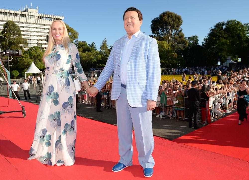 Il cantante russo Iosif Kobzon e sua moglie Nelly.