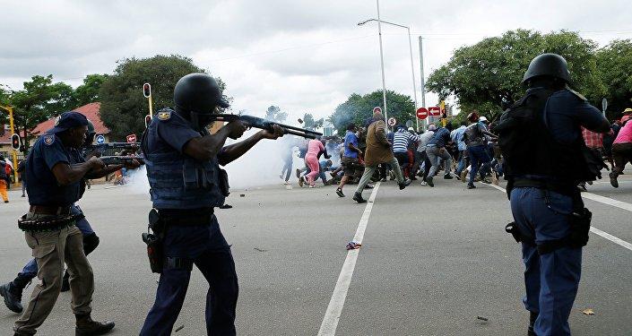 Scontri a Pretoria durante manifestazione xenofoba