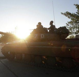 Militari dell'esercito ucraino nei pressi di Mariupol (Donbass)