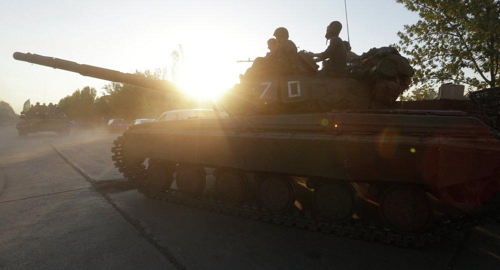 Tank dell'esercito ucraino nei pressi di Mariupol (foto d'archivio)