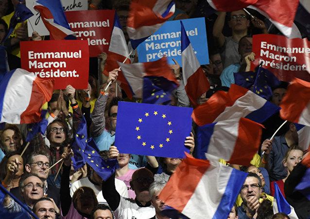 Sostenitori del movimento En Marche! di Emmanuel Macron