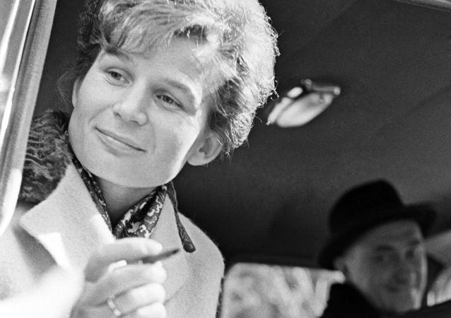 Auguri a Valentina Tereshkova, la prima donna nello spazio, che compie oggi 80 anni.