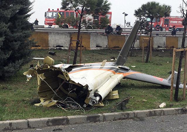 Macerie dell'elicottero precipitato il 10 marzo nella periferia di Istanbul