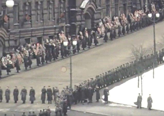 Funerali di Stalin - video a colori mai pubblicato prima