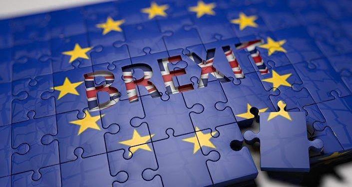 La Brexit rinviata a giugno, bocciato il referendum bis