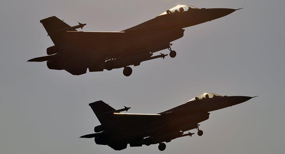 Caccia F-16 dell'Aviazione americana (foto d'archivio)