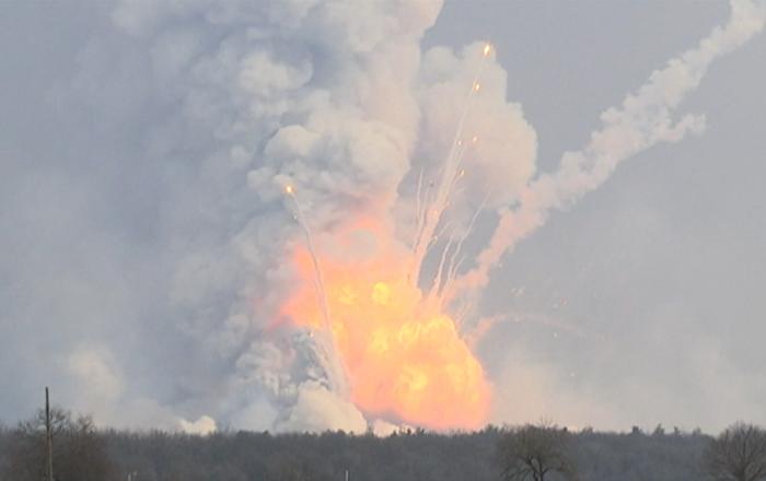 Incendio in deposito di munizioni in Ucraina