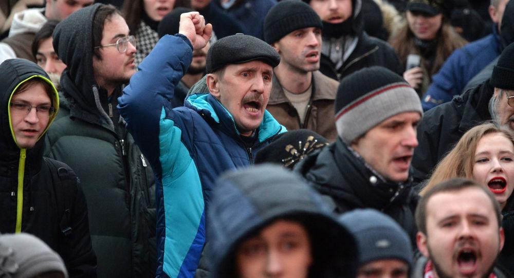 Proteste in Bielorussia contro la decisione di Lukashenko di tassare la disoccupazione