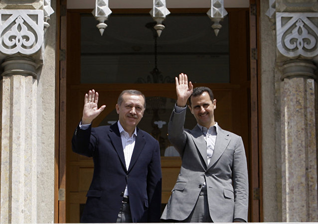 Recep Tayyip Erdogan e Bashar Assad (foto d'archivio)