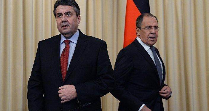 Sergei Lavrov e Sigmar Gabriel