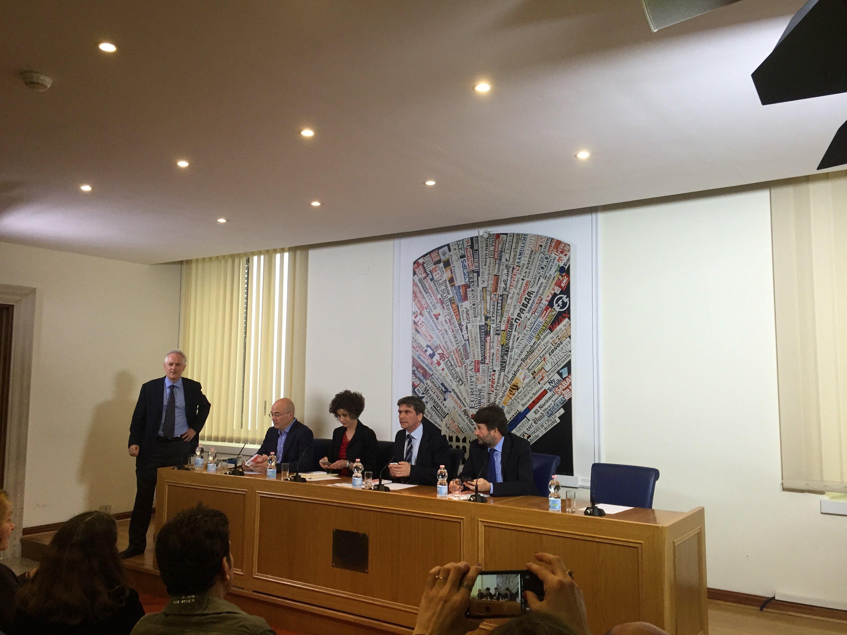 Alla presentazione del libro Talenti d'Italia da Maarten van Aalderen
