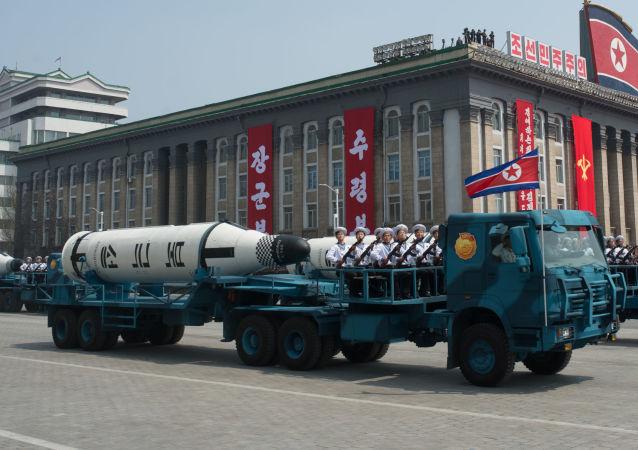 Il missile balistico Pukkuksong-1 ad una parata militare a Pyongyang (foto d'archivio)
