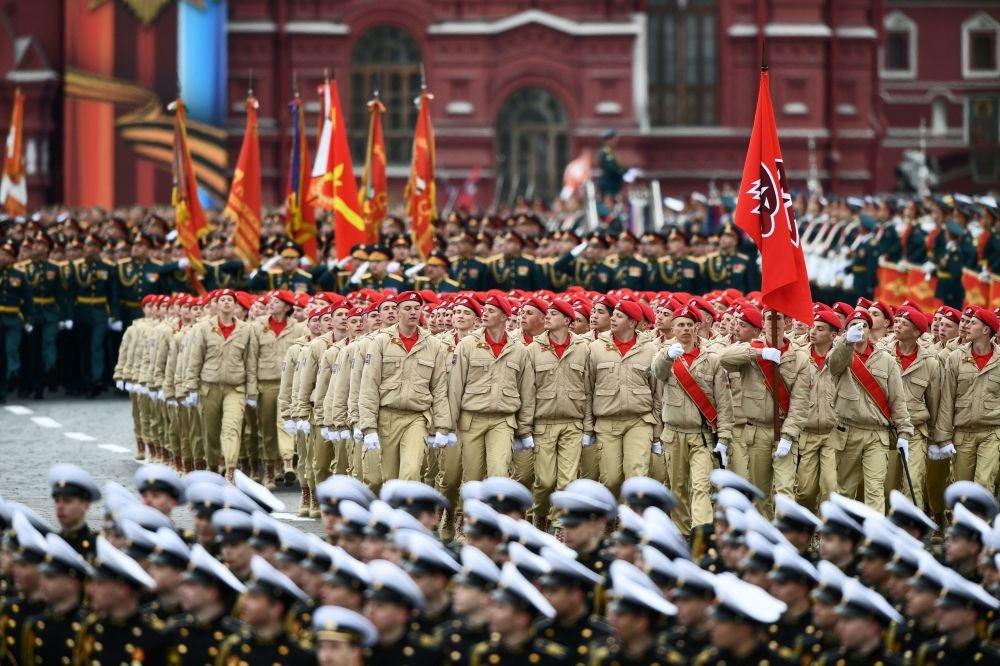 La Parata militare in onore del 72° anniversario della Vittoria