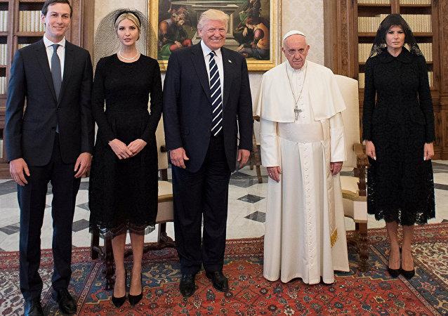 L'incontro tra Donald Trump e Papa Francesco