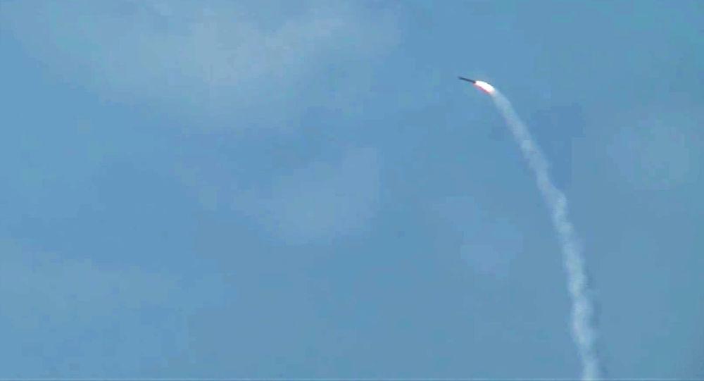 Siria, Russia spara missili da crociera contro obiettivi Isis