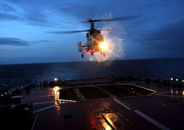 Voli notturni del gruppo aereo della squadra delle nave da battaglia della Flotta del Nord.