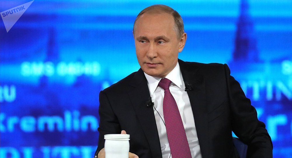 Vladimir Putin durante la Linea Diretta