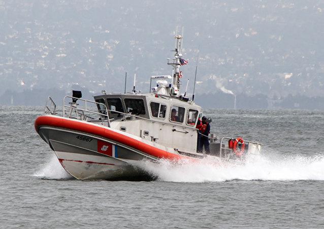 Motovedetta della Guardia Costiera americana (foto d'archivio)