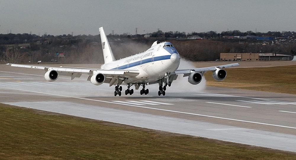Boeing E-4B (foto d'archivio)