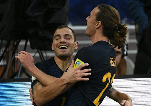 James Troisi esulta dopo il gol segnato al Cile nella Confederations Cup