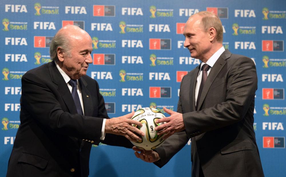 Presidente Fifa Joseph Blatter con il presidente russo Vladimir Putin, 2014.