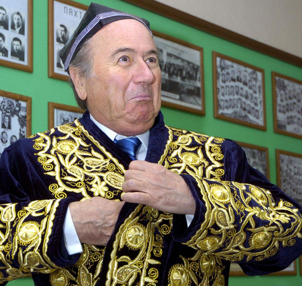 Presidente della Federazione internazionale di calcio Joseph Blatter nell'Uzbekistan.