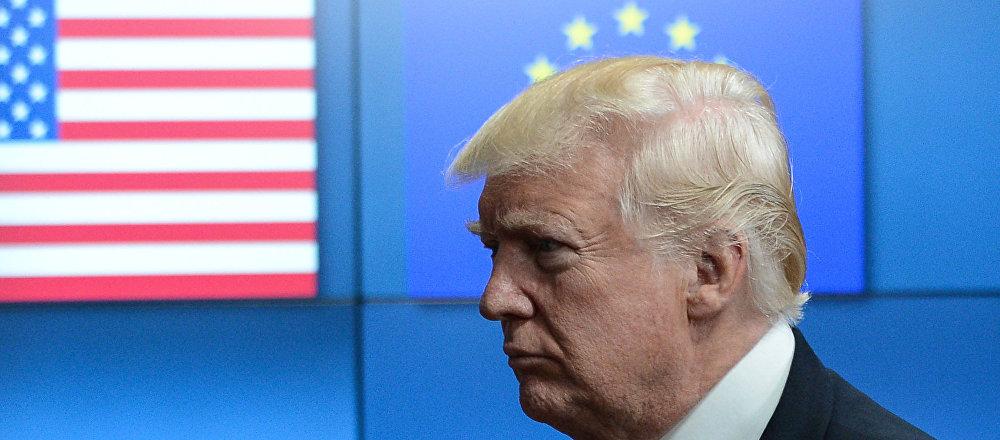 Donald Trump incontra i leader dell'UE a Bruxelles.