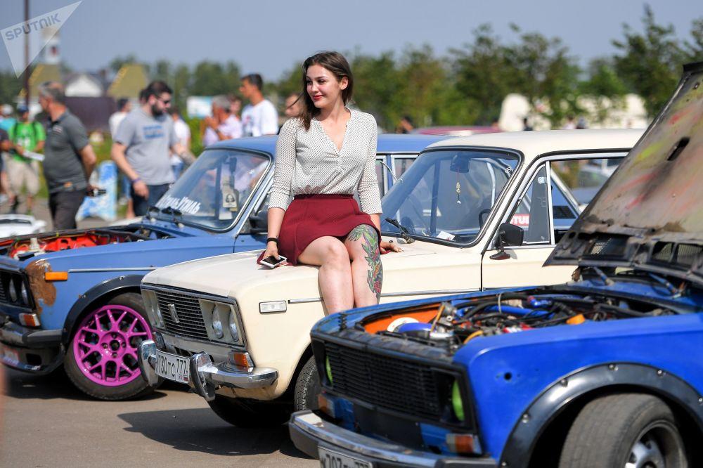 Una partecipante al secondo Festival panrusso dei Zhiguli Zhi-Fest.