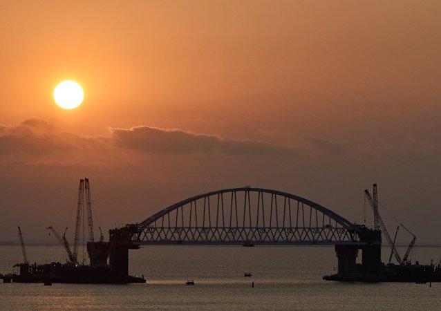 Costruzione del ponte di Kerch