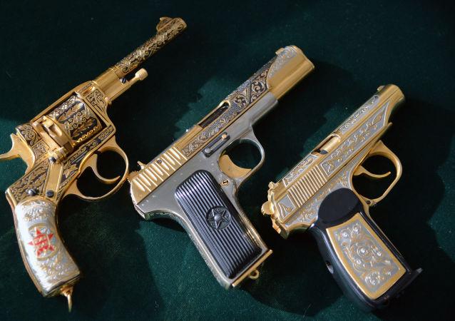 Pistole russe