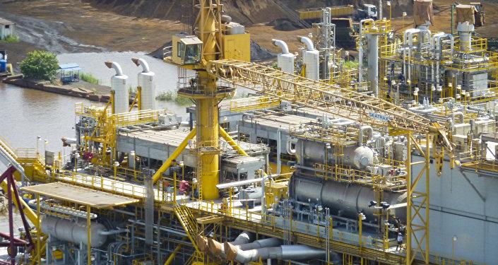 La prima piattaforma petrolifera di PDVSA a Orinoco, Venezuela.