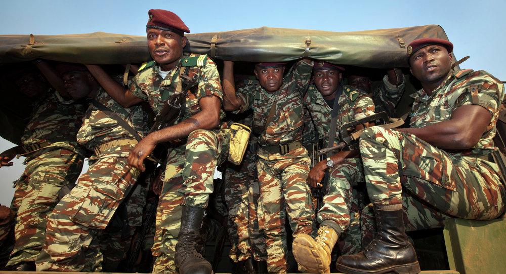 Soldati camerunesi