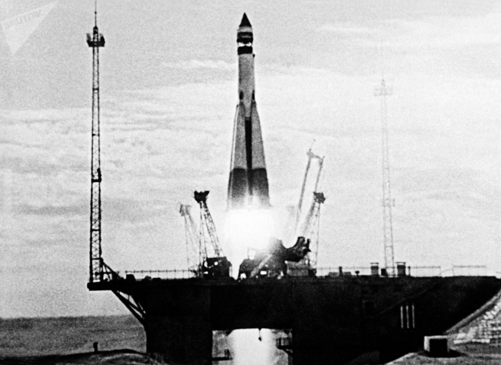 Il lancio del primo satellite artificiale sovietico della Terra.