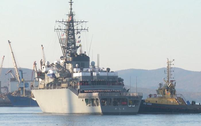 Due navi della marina giapponese sono arrivate a Vladivostok