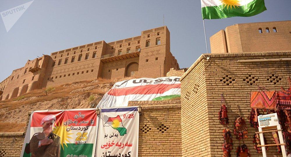 Cartelli che invitano a votare al referendum sull'indipendenza del Kurdistan iracheno ad Erbil.