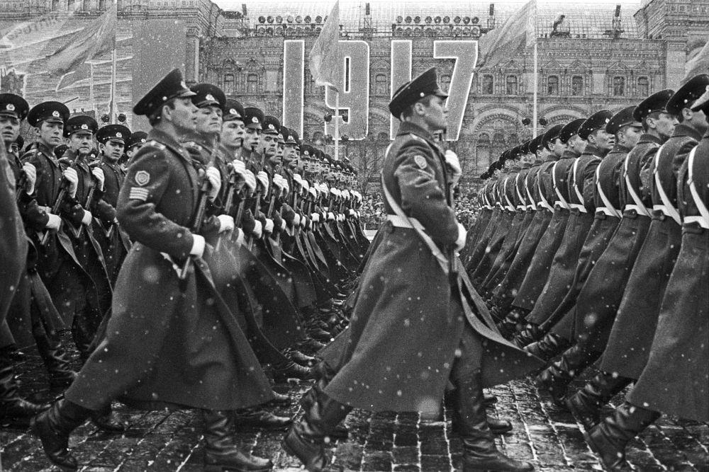 Come si festeggiava la Rivoluzione d'Ottobre ai tempi dell'URSS