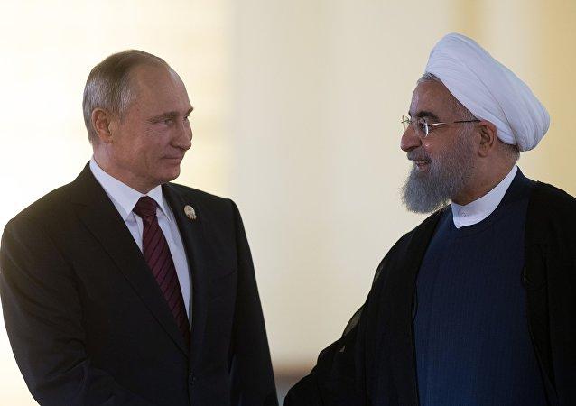 Putin e Rouhani (foto d'archivio)