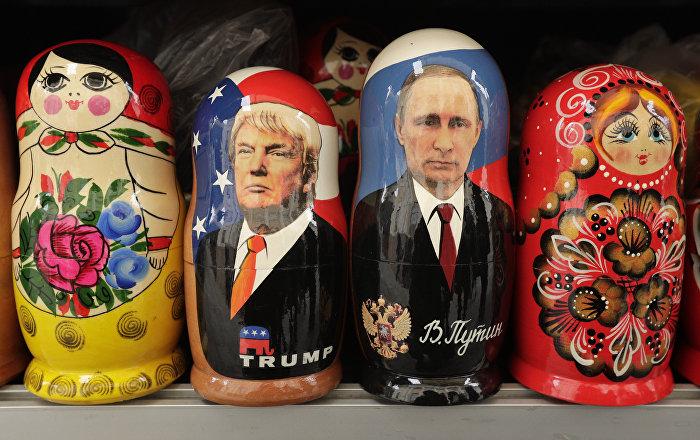 Le Matryoshka con i volti di Trump e Putin