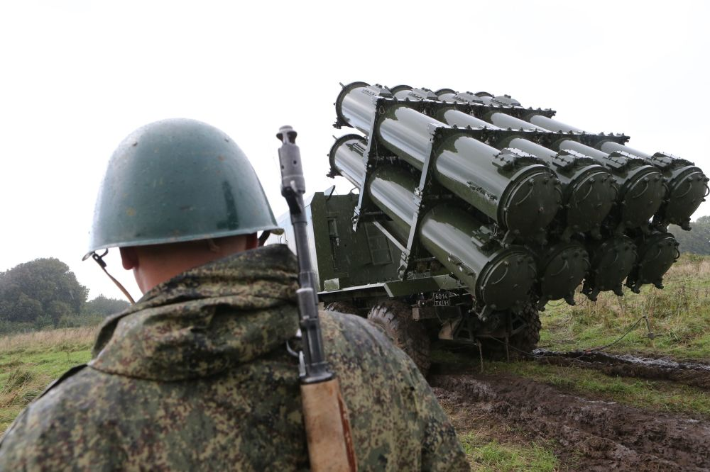 Il lancio del missile antinave del complesso lanciamissili della difesa costiera Bal nel quadro delle esercitazioni Zapad-2017.