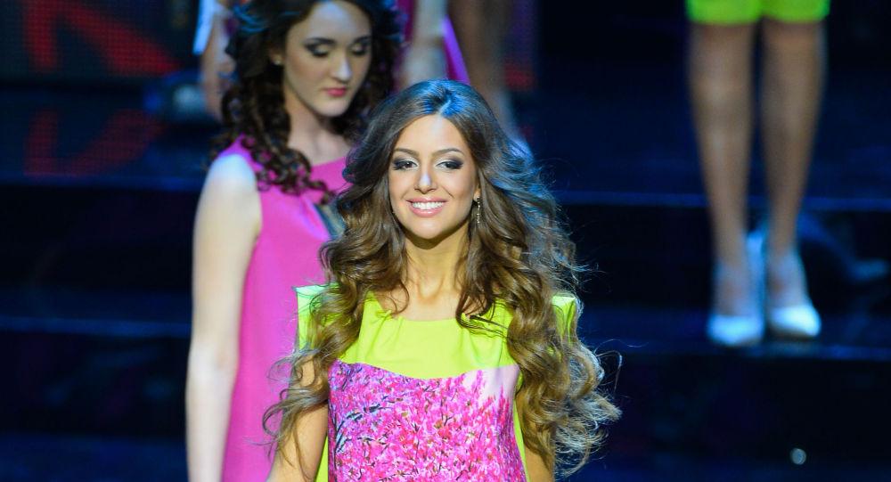 Miss Mosca 2015 Oksana Voevodina