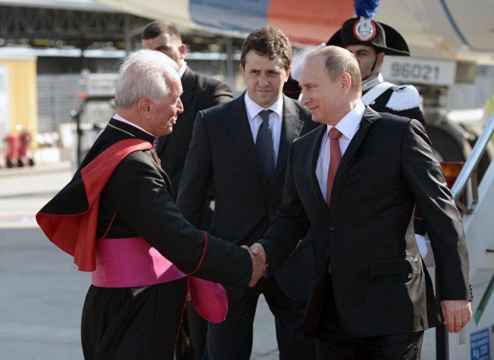 L'incontro di Putin con il messo pontificio