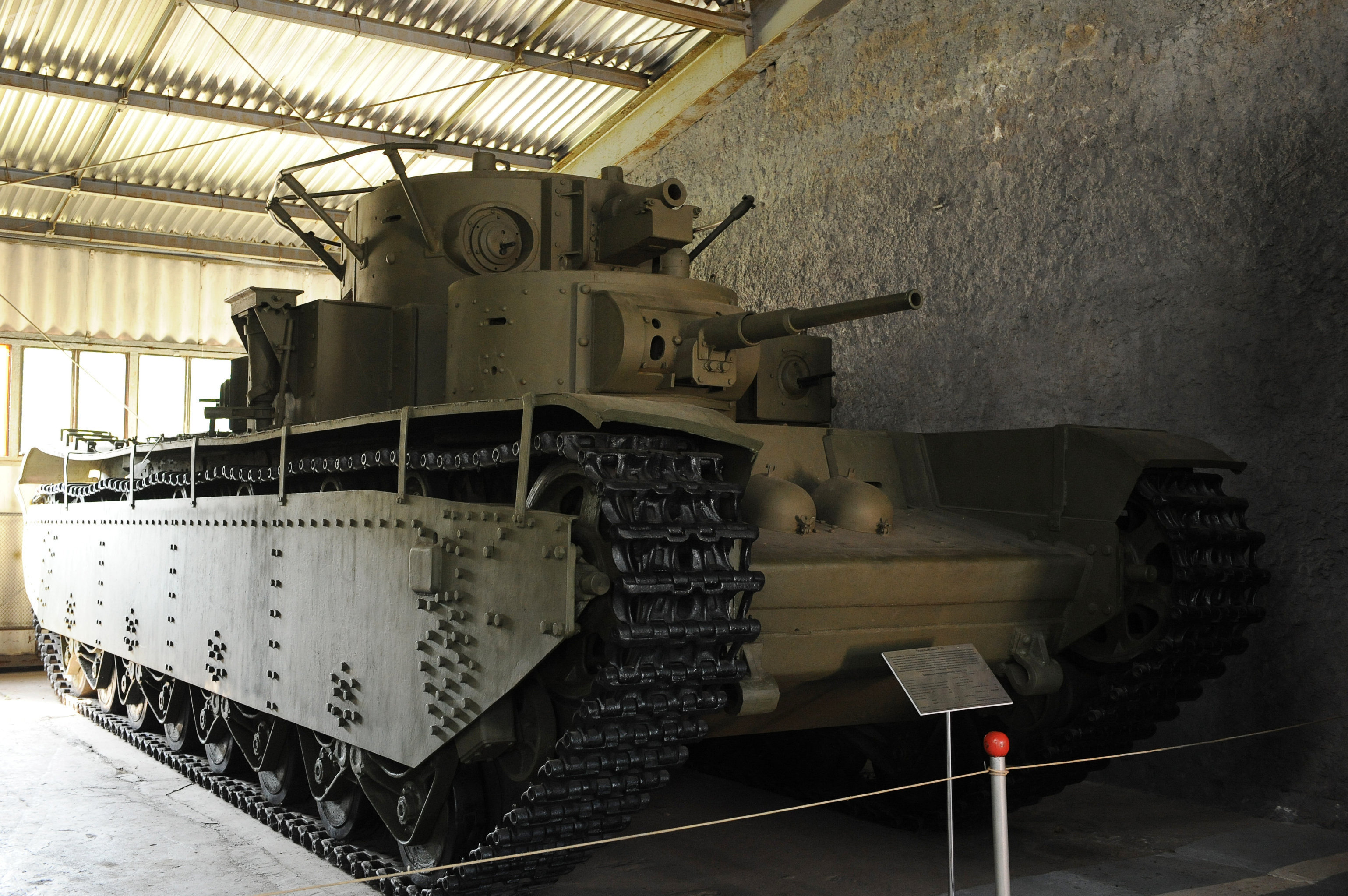 Il carro armato pesante T-35