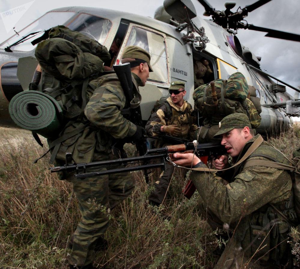 Scene di vita delle truppe anfibie russe
