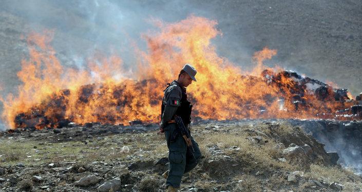 Un poliziotto afghano