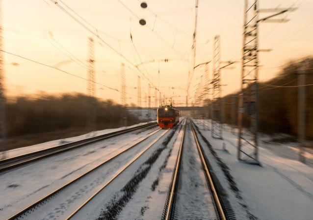 Un treno in arrivo a Omsk
