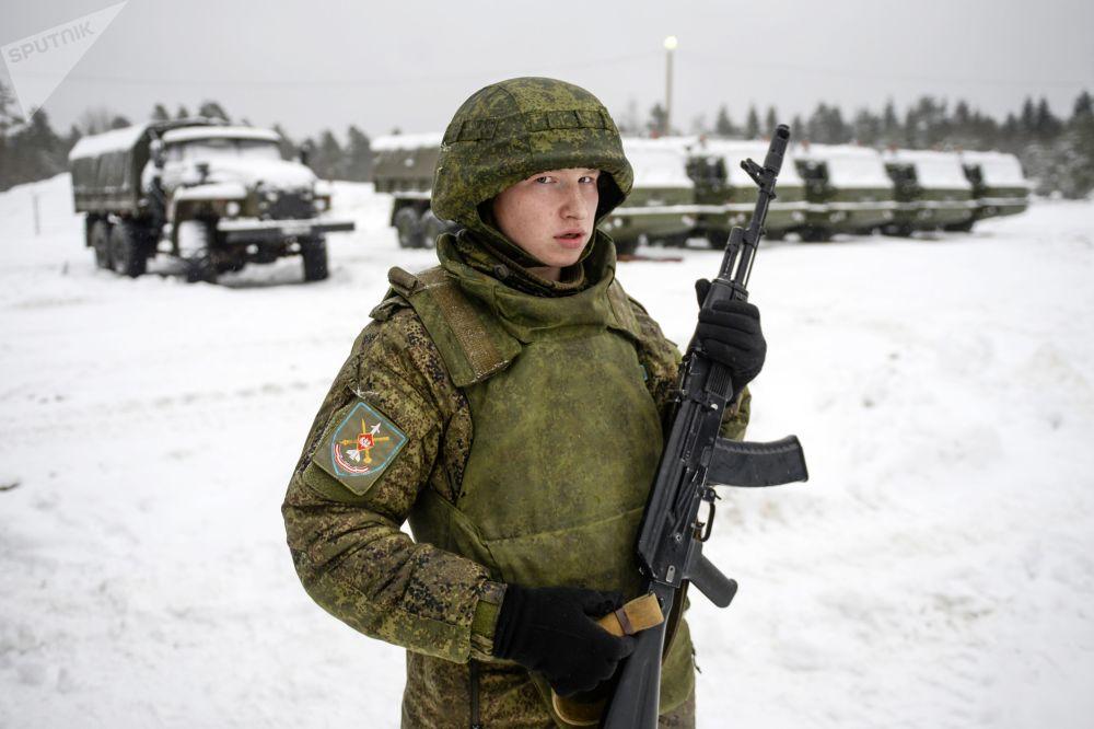Manovre militari con gli S-400 nella regione di Leningrad.